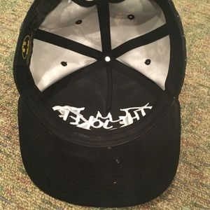 Accessories - Joker flat-brim hat